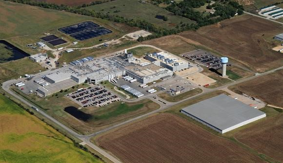 Kansas beef packing plant Creekstone Farms has sold to a Japanese company for $170 million